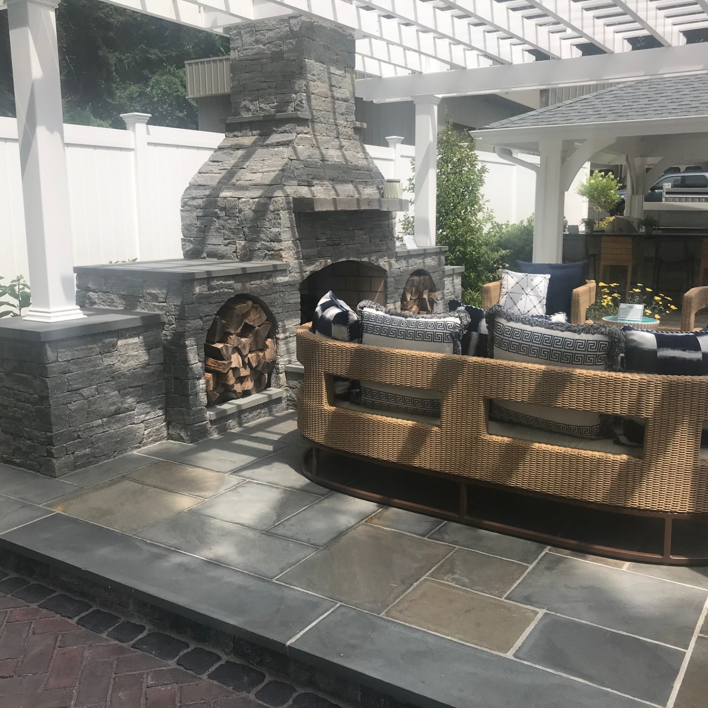 Hometronics Lifestyles Collaborates with Torrison Stone on Outdoor Demo Area
